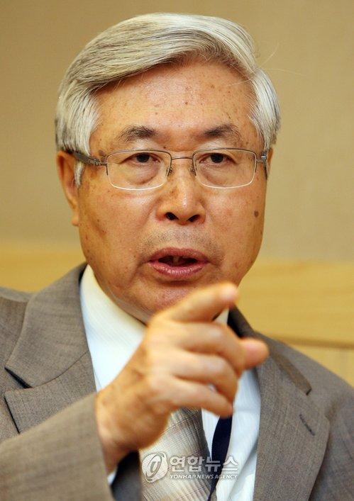 资料图片:中国外交部前副部长王英凡(韩联社)