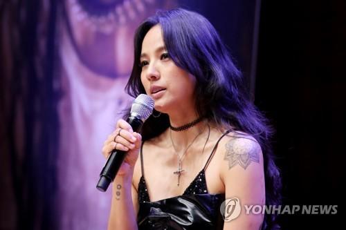 歌手李孝利(韩联社)