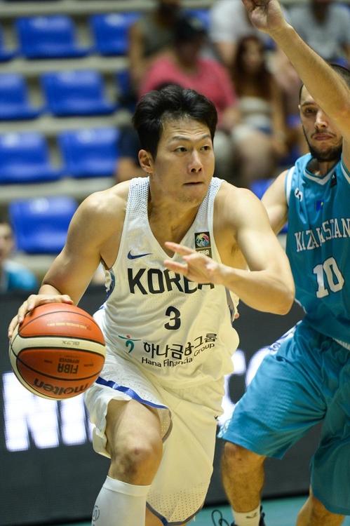韩国篮球手在赛场上的英姿(韩国篮球协会提供)