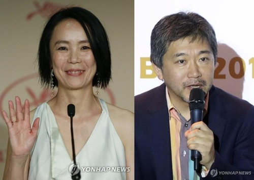 资料图片:日本知名导演河濑直美(左)和是枝裕和(韩联社)