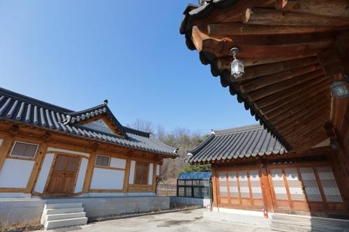 神勒寺新建韩屋开设寺院体验营。(韩联社记者成演在摄)