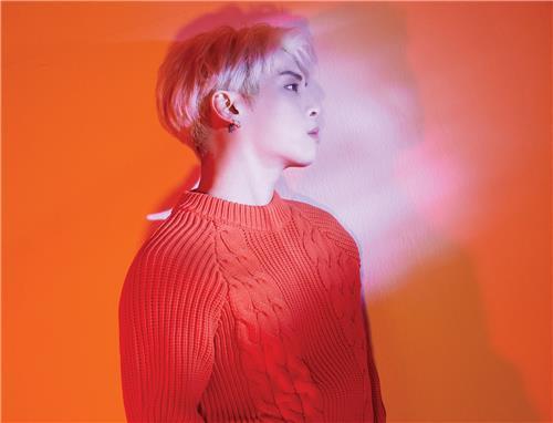 已故歌手钟铉(韩联社/SM娱乐提供)