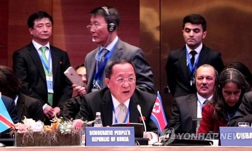 资料图片:4月5日,在阿塞拜疆巴库,朝鲜外相李容浩出席不结盟运动部长级会议并进行发言。(韩联社)