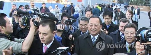 资料图片:4月9日,朝鲜外相李容浩抵达莫斯科。(韩联社)