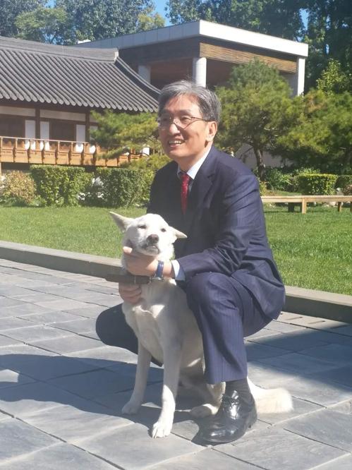 卢英敏与丰山犬(特别记者团提供)