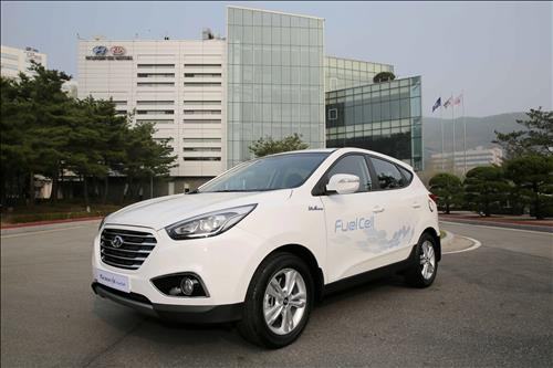Hyundai Motor aims to sell more than 10000 fuel cell cars in S. Korea by 2025
