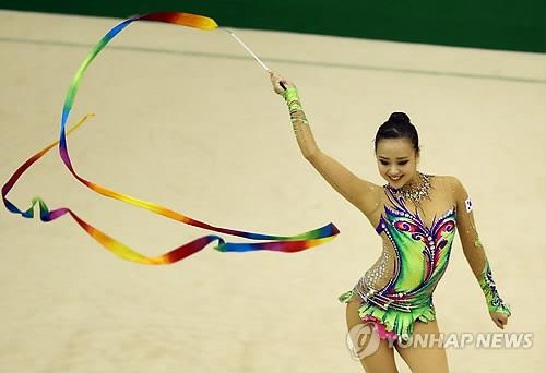 Rhythmic gymnast Son Yeon-jae, seen here competing in the national team trials in June, is eyeing her first Asian Games gold medal in Incheon. (Yonhap file photo)