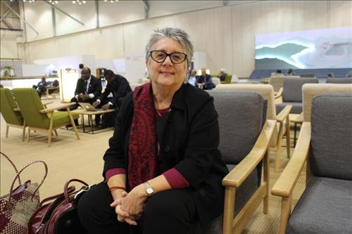 """Andrea Saks, who oversees accessibility-related issues in the International Telecommunications Union (ITU), said on Nov. 3, 2014, that policymakers should always pay close attention to such factors, and bear in mind that they are """"persons with disabilities,"""" and not """"disabled people."""" (Yonhap)"""