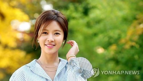 jung eum and yong jun dating Sg wannabe′s kim yong jun revealed he′s in a relationship the news is attracting attention as it was announced the same day ex-girlfriend hwang jung eum confirmed she′s in a relationship a rep from kim yong jun′s agency stated to a reporter on december 8, it′s true kim yong jun is.