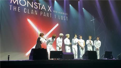 Members of South Korean hip hop boy band MONSTA X stage a media showcase in southeastern Seoul on May 18, 2016. (Yonhap)
