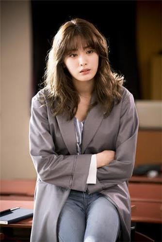 """Nana of South Korean girl group After School appears in the still photo of legal drama series """"Good Wife."""" (Yonhap)"""