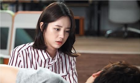 """Hyeri of South Korean girl group Girl's Day appears in the still photo of comedy-drama series """"Entertainer."""" (Yonhap)"""