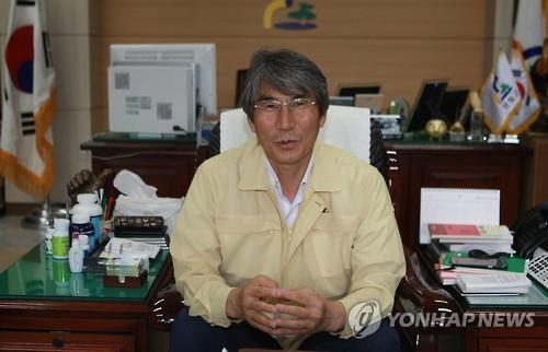 Park Sun-kyu, the mayor of Yeongwol (Yonhap)