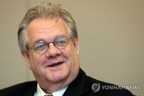 Jeffrey Jones, a U.S. attorney serving as a legal adviser for South Korea at the Rio de Janeiro Summer Olympics, speaks to Yonhap News Agency in an interview in Seoul on July 22, 2016. (Yonhap)