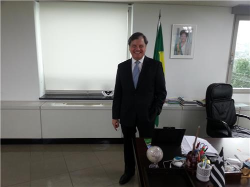 Brazilian Ambassador to South Korea Luis Fernando Serra poses for photos after his interview with Yonhap News Agency in Seoul on July 25, 2016. (Yonhap)