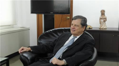 Luis Fernando Serra, Brazilian ambassador to South Korea, speaks during his interview with Yonhap News Agency in Seoul on July 25, 2016. (Yonhap)
