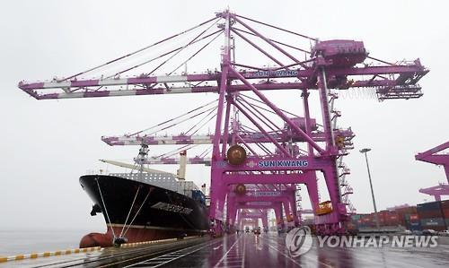 S. Korea's Exports Tumble 10.2 Pct On-Year in July