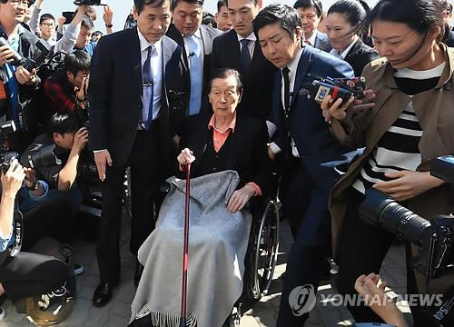 Shin Dong-joo to be grilled in Lotte Group corruption probe