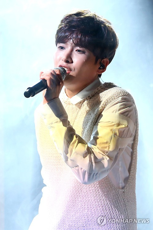 Super Junior's Ryeowook sings at a showcase to mark the release of his solo album in Seoul on Jan. 25, 2016. (Yonhap)