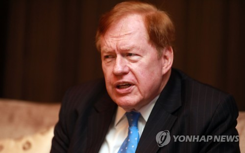 Robert King, the U.S. special envoy on North Korean human rights issues, speaks to Yonhap News Agency over North Korea's human rights abuses on Oct. 13, 2016. (Yonhap)