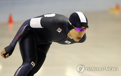 (LEAD) (Winter Asiad) Speed skater Lee Seung-hoon wins gold in men's 5,000m