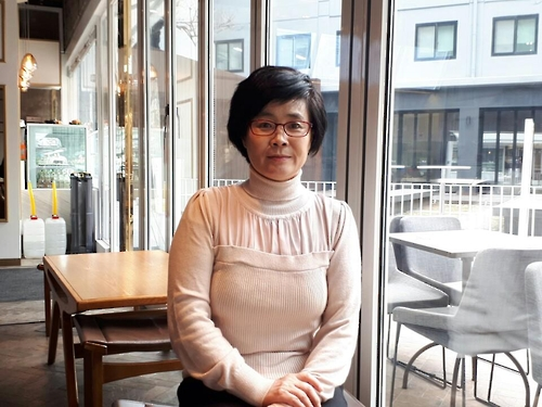 North Korean defector-writer Kim Jeong-ae, secretary-general of the North Korean Writers in Exile PEN Center, poses for a photo during an interview with Yonhap News Agency on Feb. 8, 2017. (Yonhap)