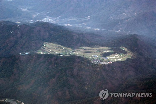 This photo taken on Oct. 27, 2016, shows a golf course owned by Lotte Group in Seongju, 296 kilometers south of Seoul, which will be offered as the site for the THAAD missile defense system in a land swep with the military. (Yonhap)