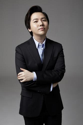 This file photo of Lim Hyung-joo is provided by DGNcom, which represents the artist. (Yonhap)