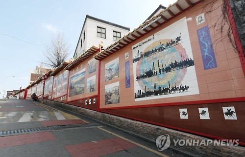 This photo shows a street in Incheon's Chinatown with almost no Chinese tourists on March 8, 2017. (Yonhap)
