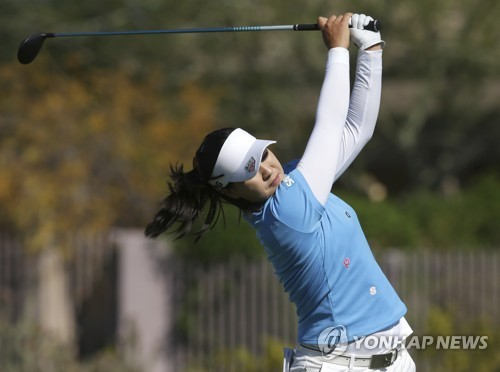 In this Associated Press photo, South Korea's Chun In-gee tees off on the eighth hole during the final round of the Bank of Hope Founders Cup tournament on the LPGA Tour on March 19, 2017, in Phoenix, Arizona. (Yonhap)