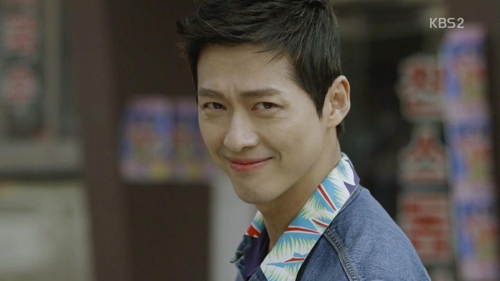 """This image captured from the finale of KBS 2TV's """"Good Manager"""" shows actor Namkoong Min as the show's anti-hero protagonist Kim Sung-ryong. (Yonhap)"""