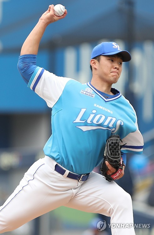 In this file photo taken on Sept. 11, 2016, Jang Pill-joon of the Samsung Lions pitches against the NC Dinos in their Korea Baseball Organization game at Daegu Samsung Lions Park in Daegu. (Yonhap)