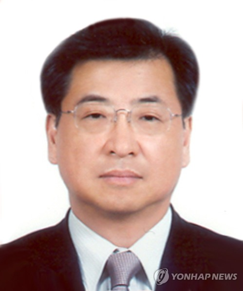 This file photo shows Suh Hoon, South Korea's new spy chief. (Yonhap)