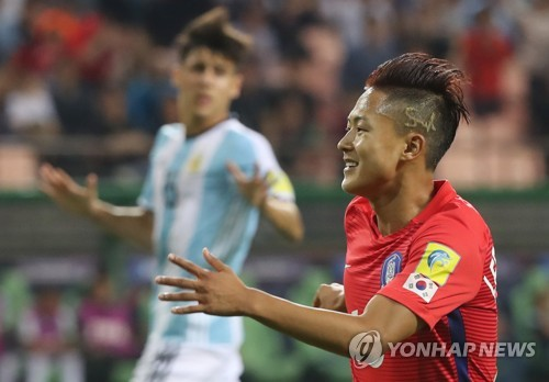 Barcelona youngster Lee Seung-woo nets solo stunner for South Korea
