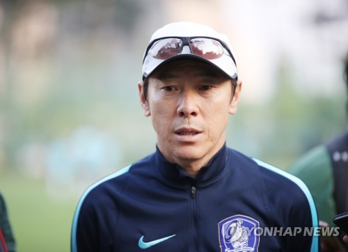 South Korea's under-20 national football team head coach Shin Tae-yong speaks to reporters at Cheonan Football Centre in Cheonan, South Chungcheong Province, on May 28, 2017, two days ahead of their FIFA U-20 World Cup round of 16 match against Portugal. (Yonhap)
