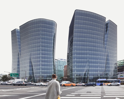 This photo provided by BCHO Architects Associates shows Twin Trees, a commercial and office building complex in Seoul. (Yonhap)
