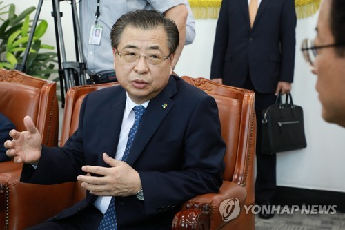 This file photo shows Suh Hoon, new head of the National Intelligence Service, South Korea's spy agency. (Yonhap)