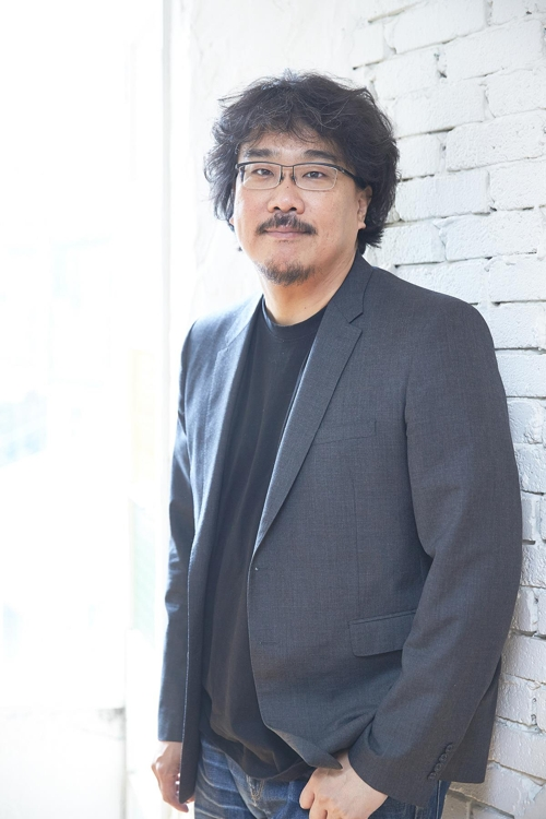 """This photo released by Next Entertainment World shows director Bong Joon-ho of """"Okja."""" (Yonhap)"""
