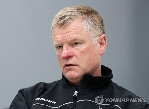 Kevin Constantine, head coach of the Daemyung Killer Whalers hockey team, speaks to Yonhap News Agency in an interview at Seonhak International Ice Rink in Incheon on June 27, 2017. (Yonhap)