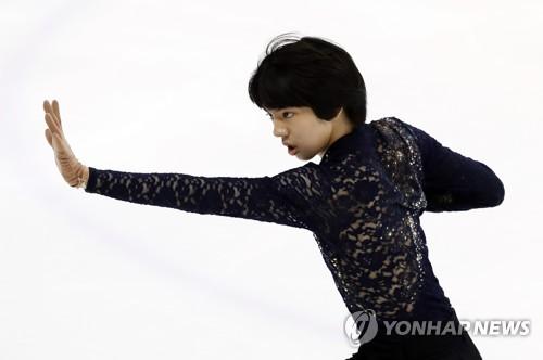 South Korean figure skater Cha Jun-hwan performs his free skate program during the Figure Skating Korea Challenge at Mokdong Ice Rink in Seoul on July 30, 2017. (Yonhap)