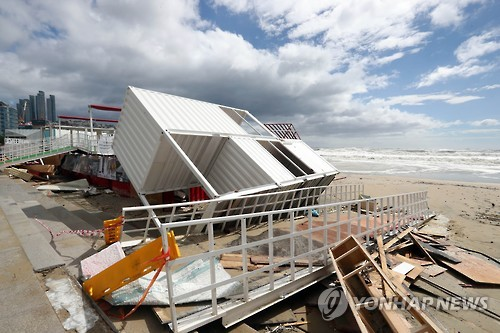 This file photo shows one of the venues for the Busan International Film Festival on the city's Haeundae beach in shambles on Oct. 5, 2016, after being destroyed by Typhoon Chaba. (Yonhap)
