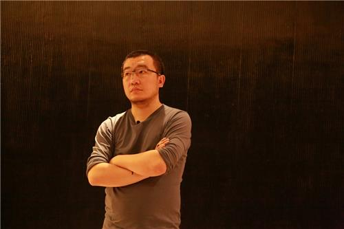 The photo provided by Arario Gallery in Seoul is of Chinese artist Sun Xun. (Yonhap)