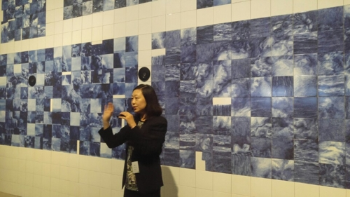 Artist Song Sang-hee talks during a media preview for the Korea Artist Prize 2017 at the Seoul venue of the National Museum of Modern and Contemporary Art (MMCA) on Sept. 12, 2017.
