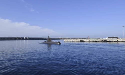 South Korea's Lee Eok Gi submarine (SS-071) leaves the Jeju Naval Base in this photo provided by the Navy. (Yonhap)