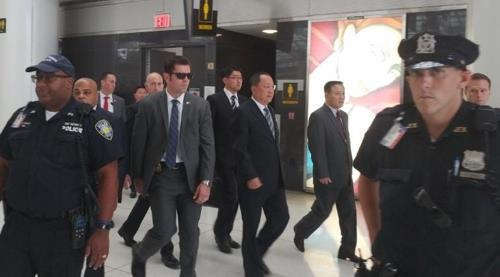 North Korean Foreign Minister Ri Yong-ho (C) arrives at JFK International Airport in New York on Sept. 20, 2017. (Yonhap)