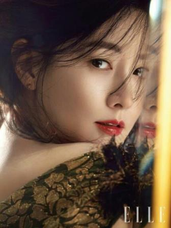 This photo provided by The Tik Tok and Elle magazine is of South Korean actress Lee Young-ae. (Yonhap)
