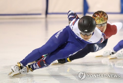 In this file photo taken July 17, 2017, Victor An, Russian short track speed skater born Ahn Hyun-soo in South Korea, trains at Korea National Sport University in Seoul. (Yonhap)