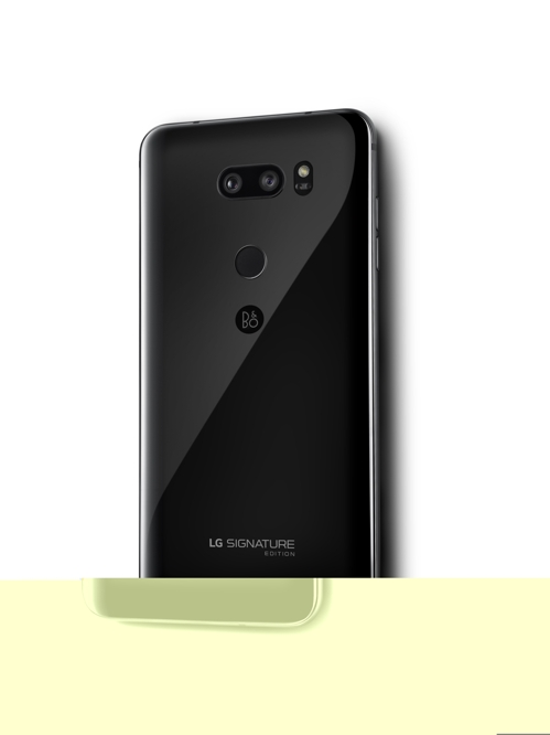 Shown in this photo released by LG Electronics Inc. on Dec. 7, 2017, is an image of the LG Signature Edition smartphone. (Yonhap)