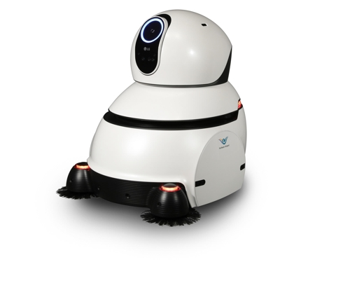 Shown in the picture is LG Electronics Inc.'s cleaning robot for airports, released by the company on Dec. 11, 2017. (Yonhap)