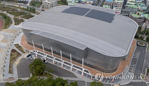 This photo taken on Oct. 31, 2017, shows Kwandong Hockey Centre in Gangneung, Gangwon Province, the venue for the women's hockey tournament at the 2018 PyeongChang Winter Olympics. (Yonhap)